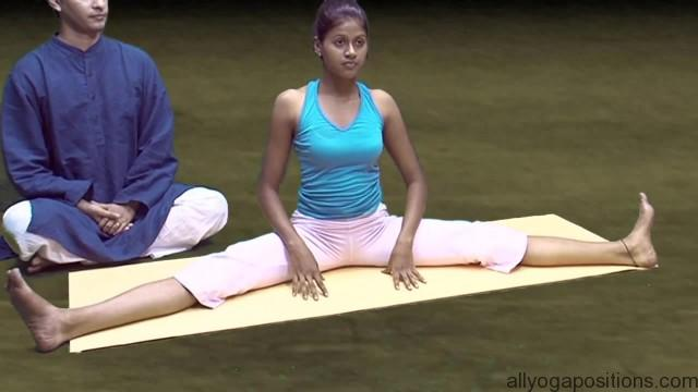 general level 4 yoga advanced splits 19