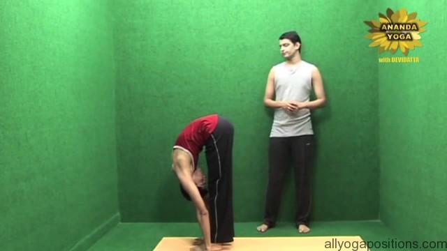 power yoga to tone legs 09
