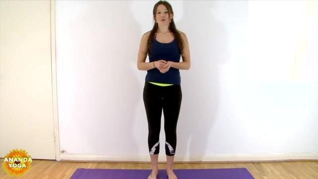 yoga for beginners basic balance tree pose 04