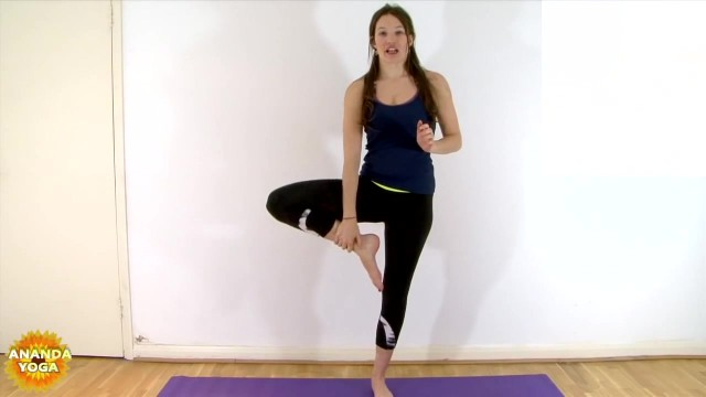 yoga for beginners basic balance tree pose 07