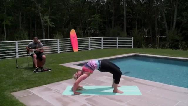 yoga for beginners how to do full wheel jenna raynell yoga 22