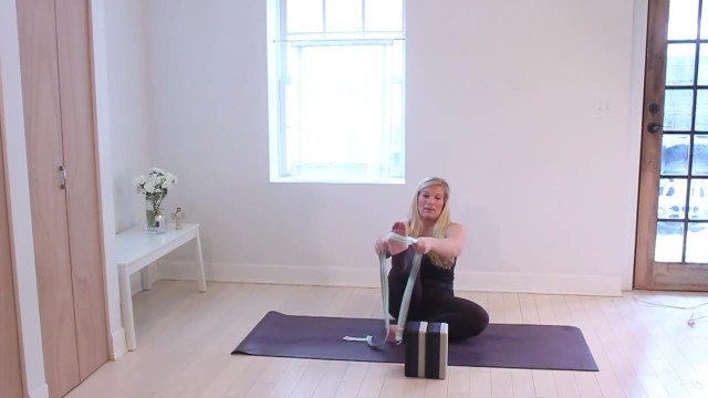 yoga for beginners prop tutorial jenna raynell yoga 28