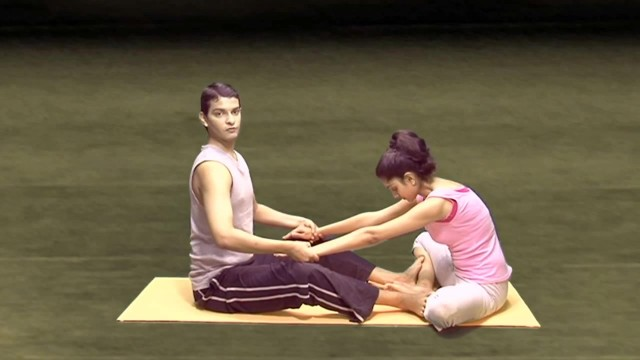 yoga workout for couples 11