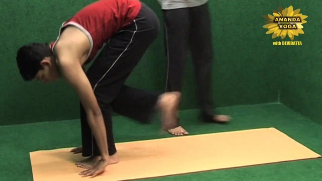 yoga workout for hands 16