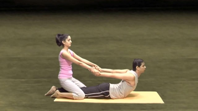 yoga workouts for couple 11