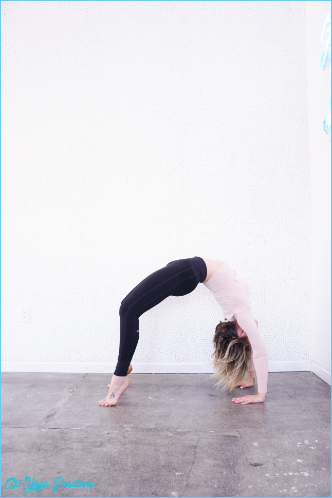 Yoga Poses to Avoid During Pregnancy with Modifications // Whitney E. RD