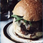 Italian burger recipe: ground beef, parmesan cheese and wine sauce